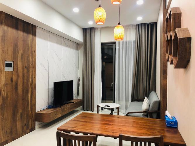 Bán căn hộ Masteri An Phú thuộc tầng thấp, diện tích 70m2 gồm 2 phòng ngủ và 2 toilet, ban công hướng Đông Bắc thoáng mát, đầy đủ nội thất.