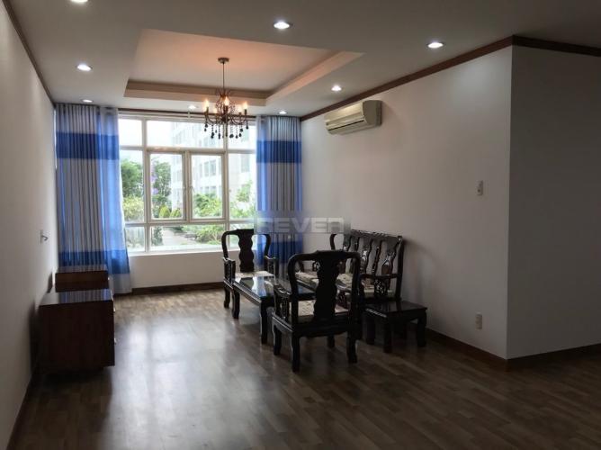 Căn hộ chung cư Chánh Hưng - Giai Việt tầng thấp, đầy đủ nội thất.