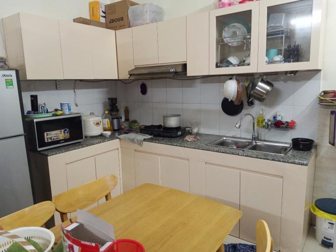 Phòng bếp nhà phố Hoàng Hữu Nam, Quận 9 Nhà phố hẻm Hoàng Hữu Nam đầy đủ nội thất, hướng Đông Bắc.