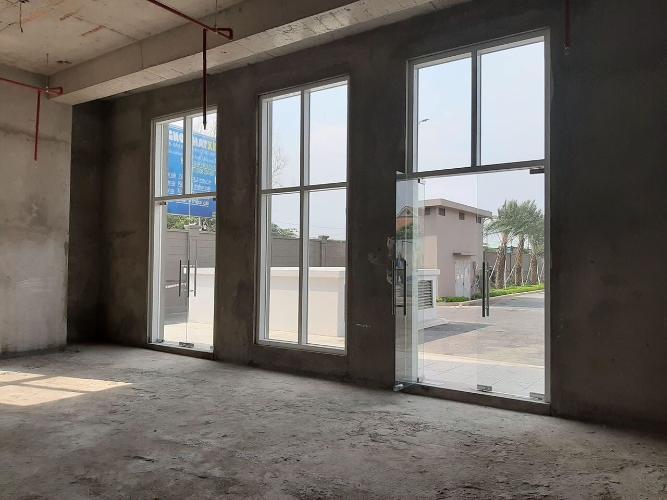 Shop-house Phú Mỹ Hưng Midtown thô, dễ dàng lên ý tưởng concept riêng.