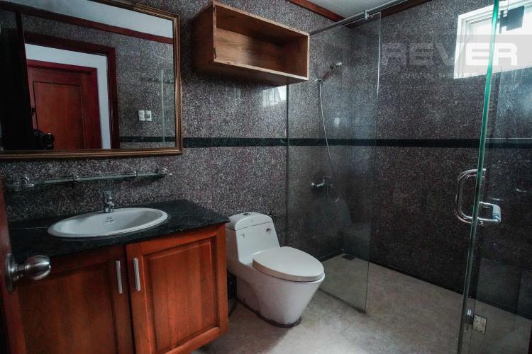Phòng Tắm 1 Bán Penthouse Hoàng Anh Gold House 4PN, diện tích 310m2, đầy đủ nội thất, có sân vườn rộng