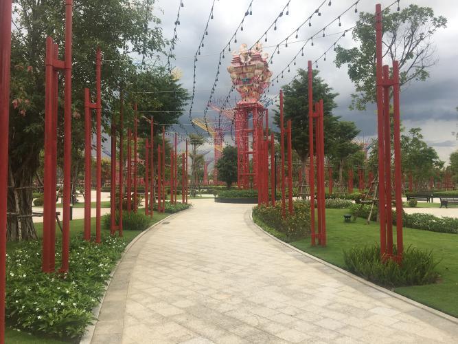 Tiện ích Vinhomes Grand Park Quận 9 Căn hộ Vinhomes Grand Park tầng trung, ban công đón view nội khu.