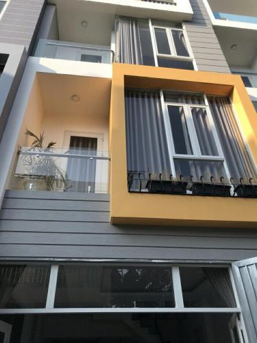 Bán nhà phố đường Nguyễn Thị Định Quận 2, diện tích 51m2, ngang 4.7m, 3 tầng, hẻm xe hơi