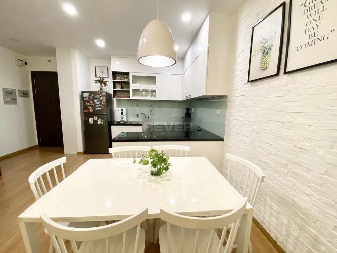 Phòng bếp căn hộ Kingston Residence Căn hộ Kingston Residence view thành phố, nội thất đầy đủ tiện nghi.