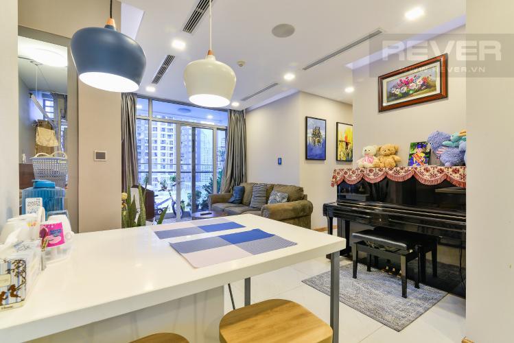 Phòng Khách Căn hộ Vinhomes Central Park tháp Park 6, 2PN, đầy đủ nội thất