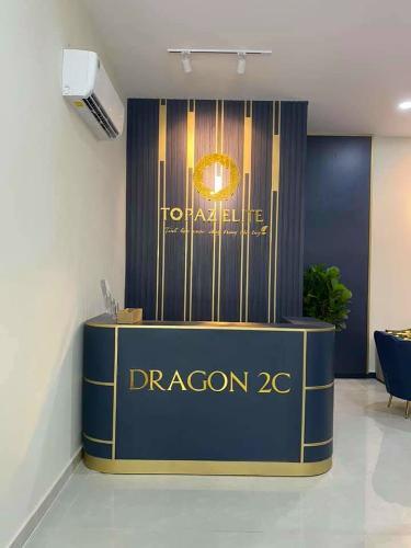 Topaz Elite Dragon 2C Căn hộ Topaz Elite tầng trung, view thành phố hiện đại.