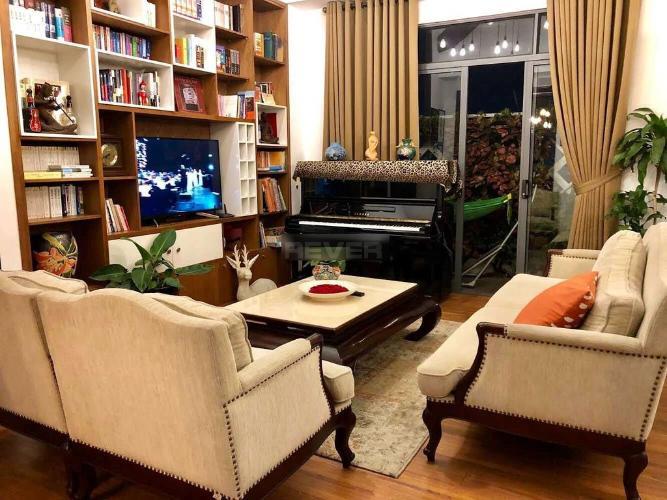 Bán Penthouse 200m2 có sân vườn chung cư H1 Hoàng Diệu Quận 4