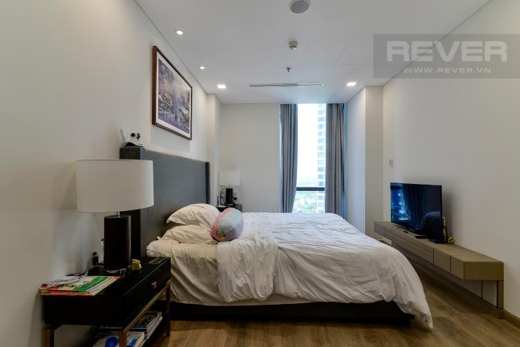 Phòng Ngủ 1 Bán hoặc cho thuê căn hộ Vinhomes Central Park 3PN, tháp Landmark 81, đầy đủ nội thất, view sông Sài Gòn