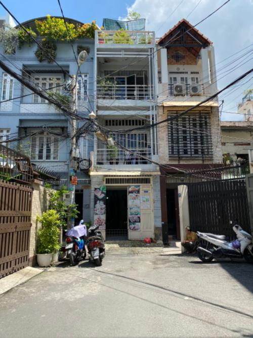 Mặt tiền nhà Trần Quang Diệu, quận 3 Nhà phố trung tâm quận 3, hướng Nam, nội thất đầy đủ mới.