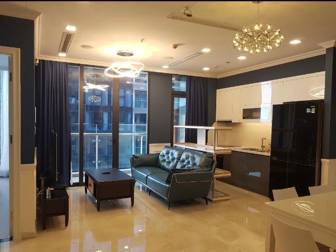 Phòng khách Vinhomes Golden River, Quận 1 Căn hộ Vinhomes Golden River tầng cao, hướng Tây Nam.