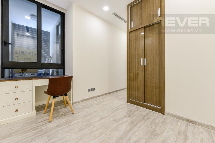 Phòng ngủ 2 Căn hộ Vinhomes Golden River tầng cao, tháp Aqua 3, 2 phòng ngủ, full nội thất