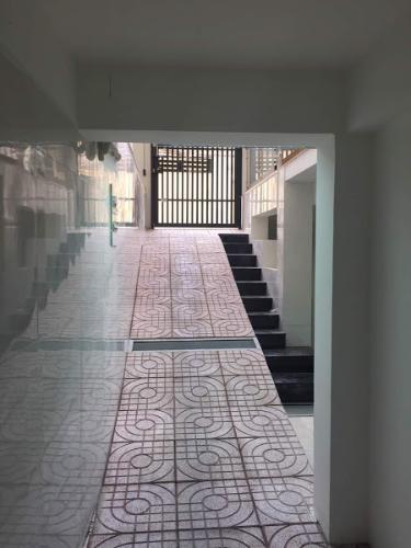 Hầm xe căn hộ dịch vụ Chu Văn An, Bình Thạnh Căn hộ dịch vụ Chu Văn An đầy đủ nội thất, gần chợ Bà Chiểu.
