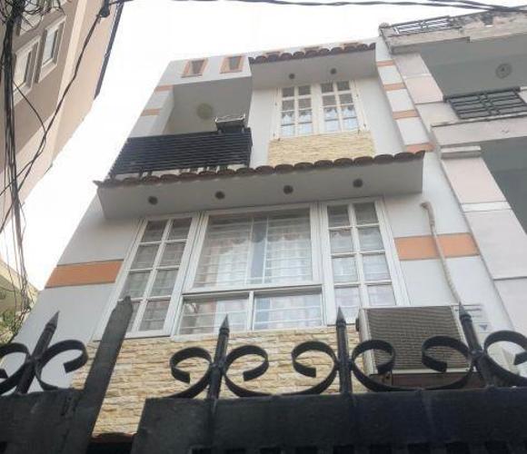 Bán nhà hẻm đường Phan Xích Long, diện tích đất 30m2, diện tích sàn 76m2, nội thất cơ bản, sổ hồng đầy đủ.