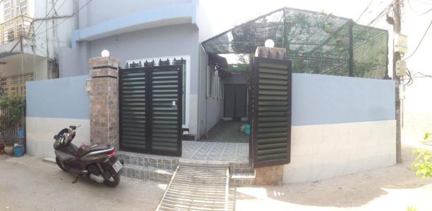 Bán nhà phố đường Bình Quới, Q, Bình Thạnh, 4 phòng ngủ, diện tích 162m2, có sân vườn