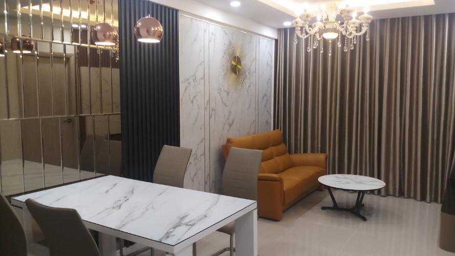 Căn hộ Saigon South Residence tầng trung, đón view nội khu.