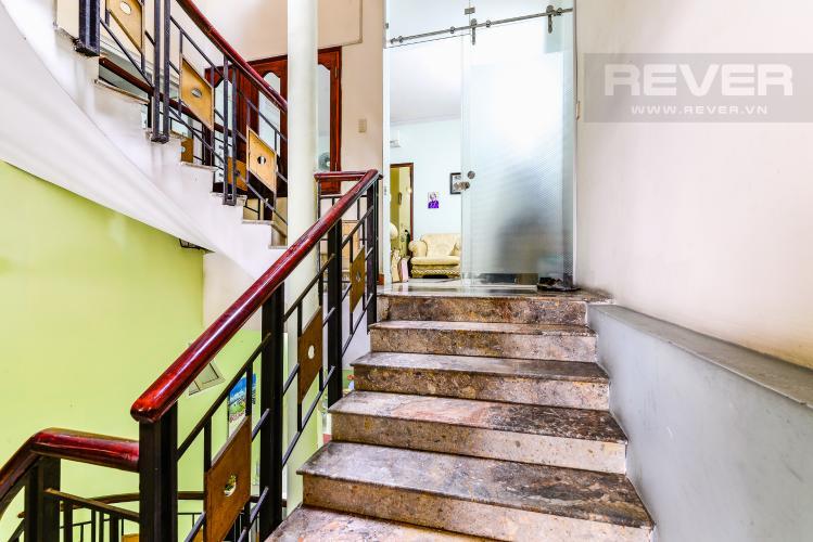 Thang Bộ Nhà phố 6 phòng ngủ hẻm 12 đường Cù Lao Quận Phú Nhuận