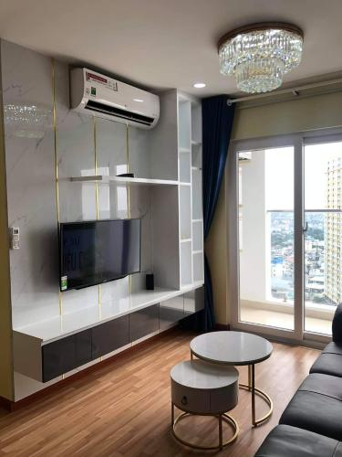 phòng khách căn hộ diamond riverside Căn hộ Diamond Riverside  tầng cao, ban công hướng Bắc.
