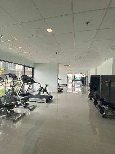 Phòng gym Eco Green Saigon Căn hộ Eco Green Saigon tầng cao, nội thất cơ bản, 3 phòng ngủ.