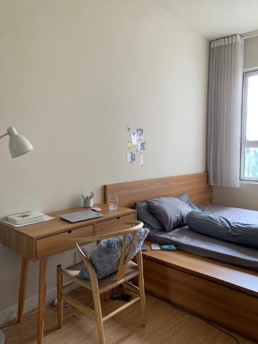 Căn hộ Lexington Residence tầng trung, đón view nội khu yên tĩnh.