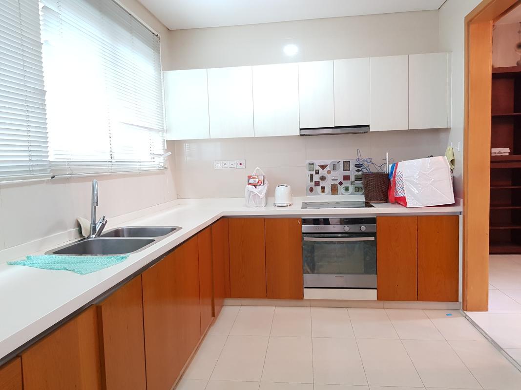 Bếp Bán hoặc cho thuê căn hộ The Vista An Phú 3PN, diện tích 140m2, đầy đủ nội thất, view Xa lộ Hà Nội