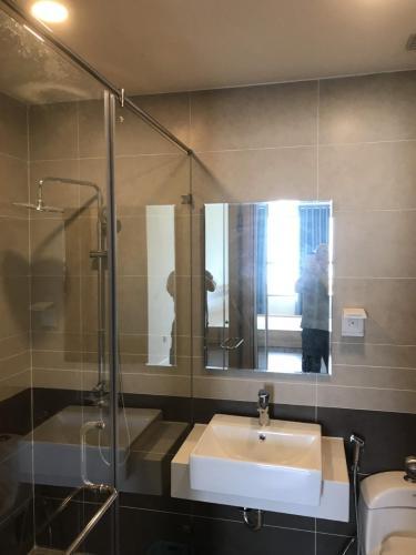 Phòng tắm căn hộ The Sun Avenue Căn hộ view thành phố - The Sun Avenue tầng trung, 2 phòng ngủ, diện tích 76m2.