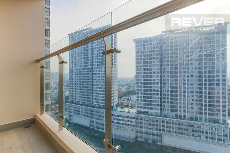 Balcony Căn hộ Masteri Millennium tầng cao view sông, 2PN, nội thất cơ bản