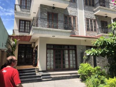 Bán biệt thự 8PN đường Nguyễn Văn Linh Q7, diện tích đất 493m2, đầy đủ nội thất, thiết kế sang trọng