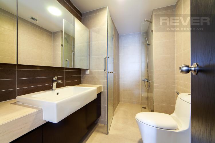 Phòng tắm 2 Căn hộ Sunrise City 3 phòng ngủ tầng trung V1 view sông