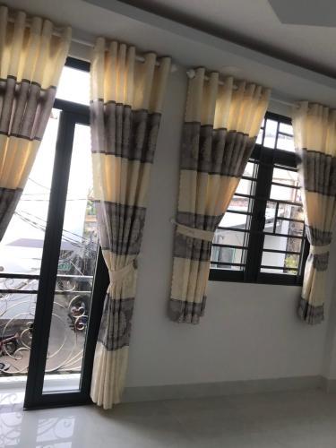 Không gian nhà phố Gò Vấp Nhà phố diện tích đất 32.5m2 nội thất cơ bản, hẻm trước nhà rộng 4m.