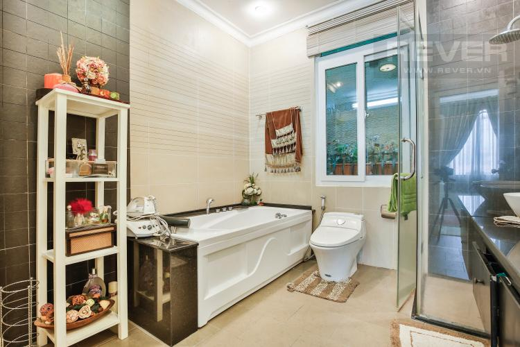 Toilet 1 Villa 2 mặt tiền đường 3 Làng Báo Chí, Thảo Điền thiết kế sang trọng, tiện nghi