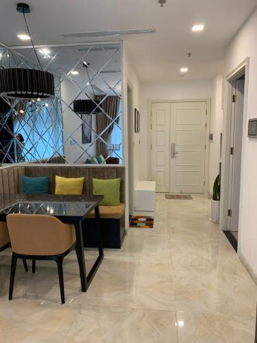 Phòng khách căn hộ Vinhomes Golden River Bán căn hộ Vinhomes Golden River tầng cao, diện tích 45m2 - 1 phòng ngủ, đầy đủ nội thất.