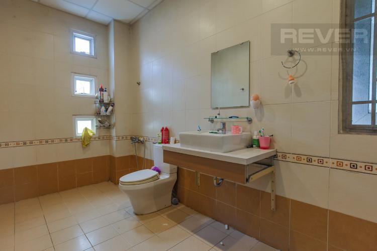 Phòng Tắm Tầng 2 Cho thuê nhà phố KDC Khang An - Phú Hữu Q.9, 3 tầng, 5 phòng ngủ, đầy đủ nội thất, diện tích 168m2