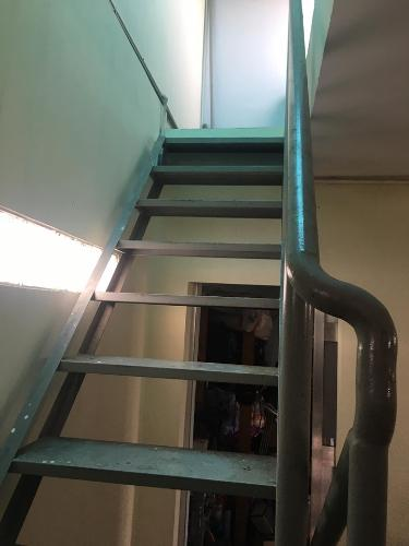Cầu thang nhà phố Gò Vấp Bán nhà 2 tầng hẻm Nguyễn Văn Nghị, Gò Vấp, sổ hồng, cách BigC khoảng 400m