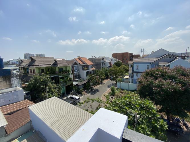 ĐƯỜNG VÀO BIỆT THỰ biệt thự KDC Nam Long Q7 Biệt thự KDC Nam Long nội thất cơ bản, tông trắng, thiết kế hiện đại.