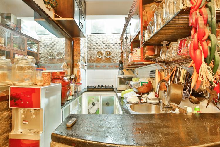 Bếp Bán nhà 2 tầng 3 phòng ngủ đường Thái Văn Lung, Quận 1