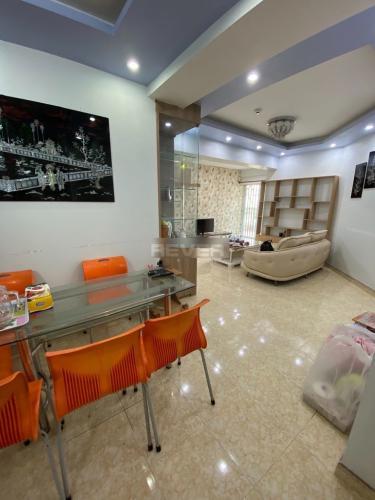 Căn hộ Kim Hồng - Tân Hương tầng thấp, nội thất đầy đủ.
