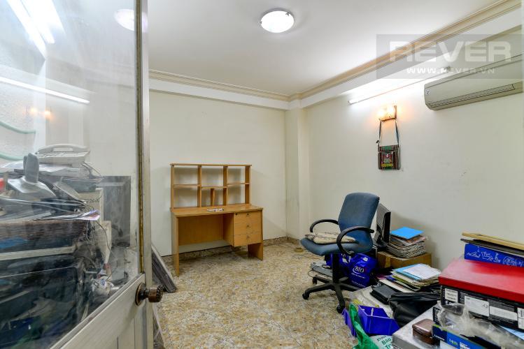 Phòng Ngủ Tầng 1 Cho thuê nhà phố hẻm Nguyễn Thiện Thuật, 2 tầng, 5 phòng ngủ, cách Ngã 6 Lý Thái Tổ 700m