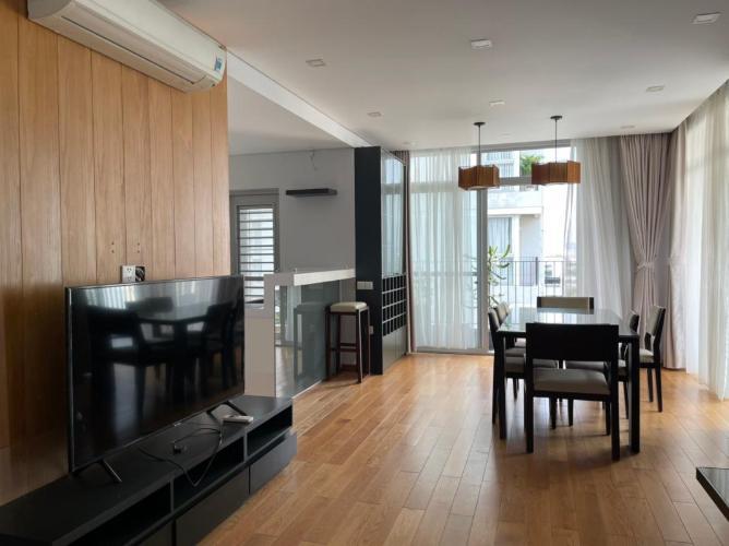 Phòng khách Star Hill Phú Mỹ Hưng, Quận 7 Căn hộ Star Hill Phú Mỹ Hưng sàn lót gỗ nội thất đầy đủ, view nội khu.