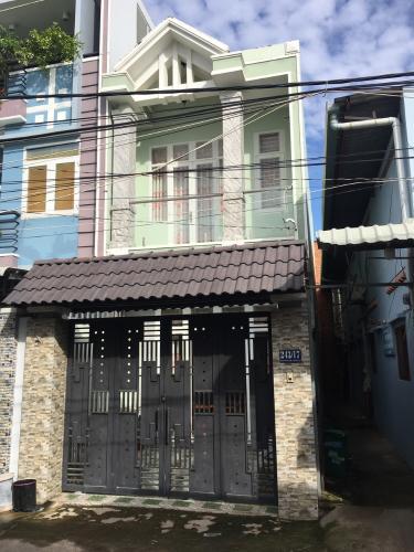 Nhà mặt tiền hẻm Nguyễn Văn Tăng nội thất cơ bản, hẻm xe hơi.