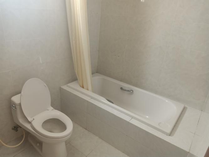 Nhà vệ sinh Hoàng Anh Thanh Bình Căn hộ Hoàng Anh Thanh Bình tầng cao, nội thất cơ bản.