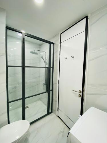 Phòng tắm căn hộ Saigon South Residences Căn hộ Saigon South Residences tầng trung, đầy đủ nội thất