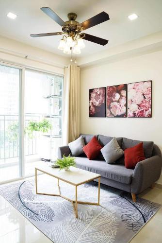 Căn hộ Sunrise Riverside đầy đủ nội thất, gam màu trắng vàng nổi bật.