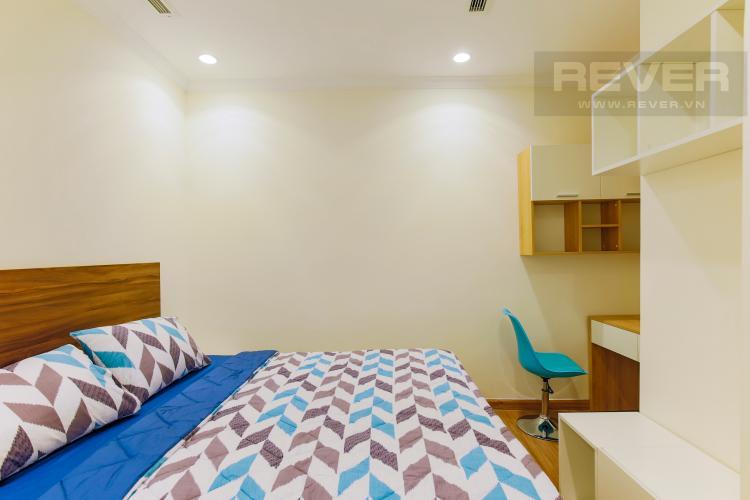 Phòng Ngủ 2 Căn hộ Vinhomes Central Park tầng cao Landmark 1 nội thất mới, tiện nghi đầy đủ