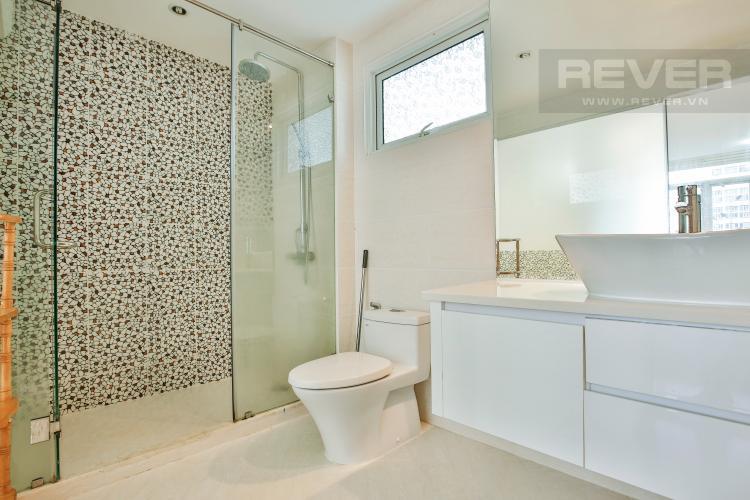 Toilet 1 Lofthouse Phú Hoàng Anh thiết kế đẹp, đầy đủ tiện nghi