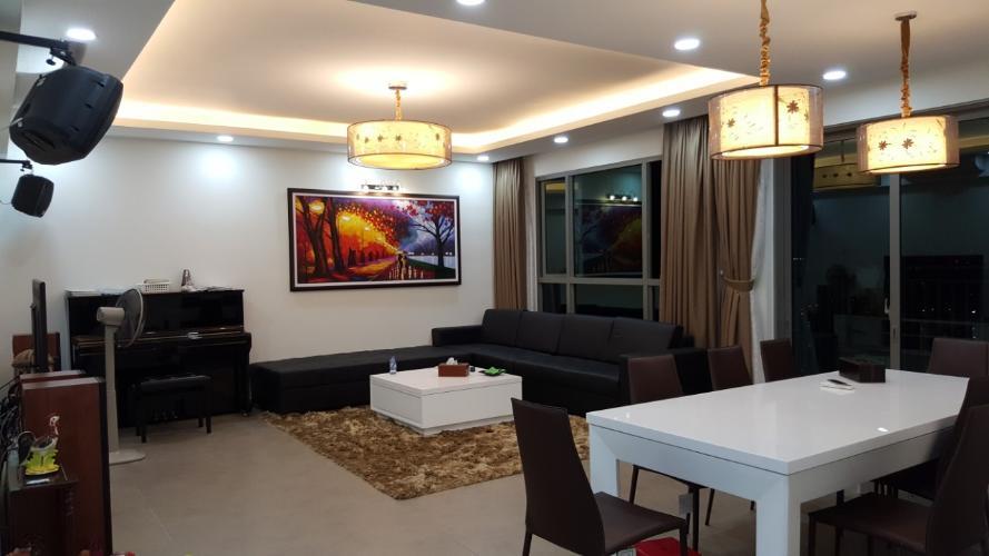 Phòng khách căn hộ Riviera Point Căn hộ Riviera Point tầng cao 4 phòng ngủ, view thành phố sầm uất.