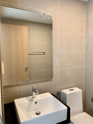 Phòng tắm căn hộ Sunrise CityView Cho thuê căn hộ Sunrise CityView, diện tích 39m2 - 1 phòng ngủ, nội thất cơ bản.