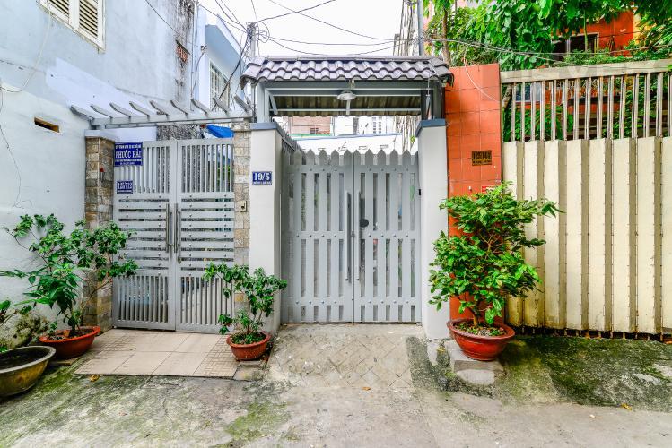 Mặt Tiền Nhà Bán nhà phố Nguyễn Duy sổ đỏ chính chủ, nội thất đầy đủ