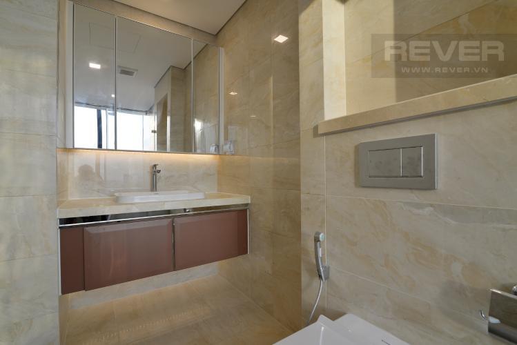Phòng Tắm 2 Căn hộ Vinhomes Golden River tầng cao, tháp The Aqua 4, 4PN, view sông Sài Gòn