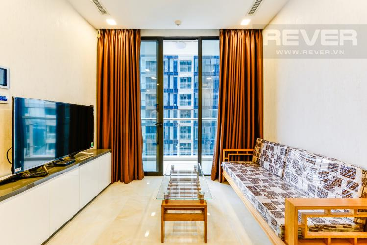 Phòng khách Căn hộ Vinhomes Golden River tầng cao tháp The Aqua 1, 2PN nội thất đầy đủ