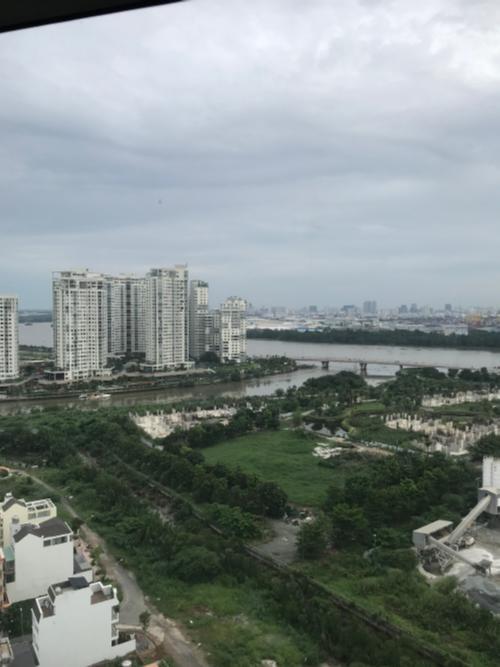 Bán căn hộ tầng cao The Sun Avenue, view thành phố thoáng mát, vị trí đẹp của Quận 2, giao nhà ngay.